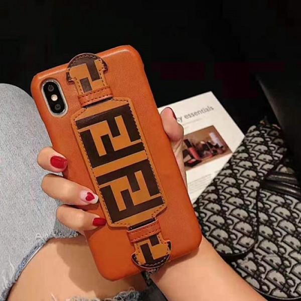 ブランドフェンデイ iphone11/11pro/11pro maxケースブラケットベルト付きiphone xs/xr/xs maxケースオシャレアイフォンx/7/8/plusケースファンション個性潮流
