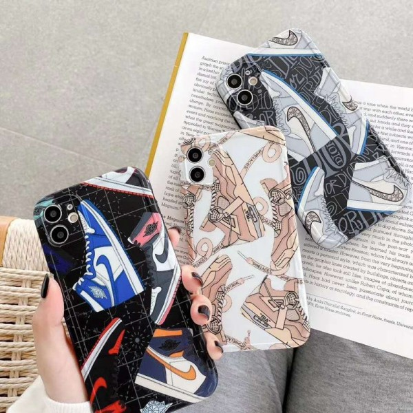 Nike/ナイキ女性向け iphone 12 mini/12 pro/12 max/12 pro maxケースジャケット型 2020 iphone12ケース 高級 人気アイフォン12カバー レディース バッグ型 ブランド iphone xr