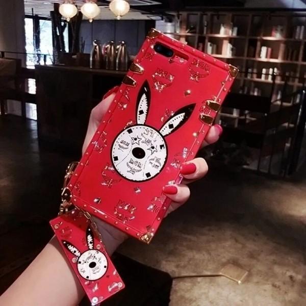Gucci/Burberry iphone12/12mini/12pro max galaxy note20ケース MCMビジネス ストラップ付きファッション セレブ愛用 ルイヴィトン HUAWEI p40/p30ケース 激安個性潮 アイフォiphone12/xs/11/8 plusケース ファッションレディース huawei mate30ケース おまけつき